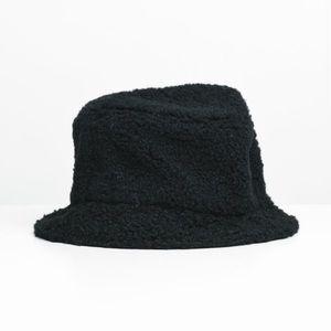 2/$35 NWT Boathouse Black Sherpa Bucket Hat